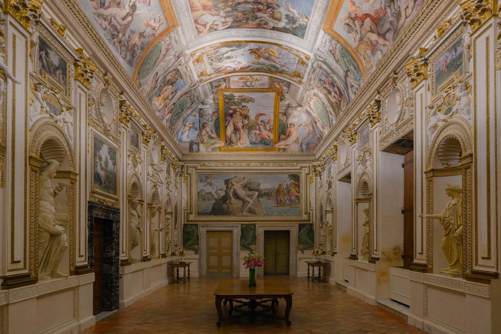 Illuminazione Galleria dei Carracci Palazzo Farnese a Roma – Ambasciata di Francia in Italia